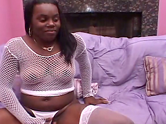 Chubby black bitch Nanay jumps on a prick after sucking it