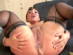 Ava Devine makes a hunk happy with her amazing erotic skills