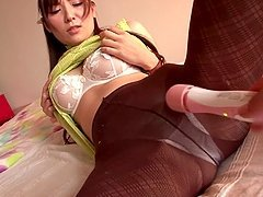 Yuna Shiina toys her snatch and shows her cock-sucking skills