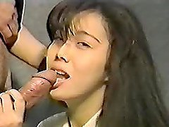 Adorable Japanese girl drives her BF crazy with an awesome blowjob