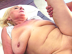 Sila the granny with hanging boobs gets nailed on a bed