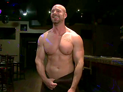 Muscular bald gay gets brutally fucked in amazing group sex scene