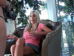 Backstage talks with the curvaceous lesbian babe Puma Swede