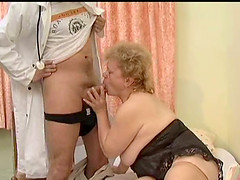 Amateur blonde granny fucked hardcore in her asshole