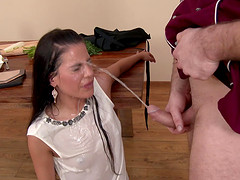 Sexy Eveline lets the experienced cook penetrate her sweet vagina