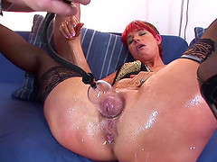 Horny mom needs extreme pussy and anal pumping porn lesson