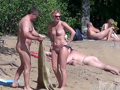 Nude Beach Blowjob Filmed By Spycam