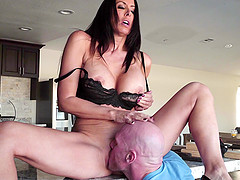 Bald fella tonguing and dicking the slippery pussy of Reagan Foxx