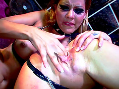 Nasty Cindy Hope and Dorina Gold know how to satisfy one another