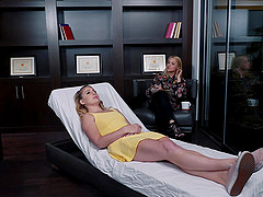Blonde MILF lesbians Sarah Vandella and Lila Frey lick each other