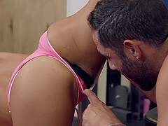 Sporty Asian MILF Honey Moon swallows a load at the gym after workout