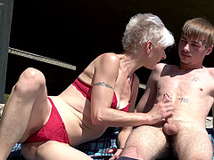 Short haired granny Martina Mercedes gets a facial on the roof