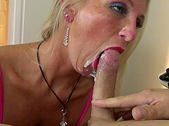 german mature fuck in hotel the stranger