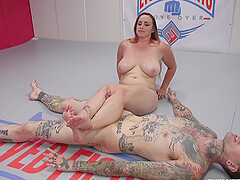 The tattooed and handsome dude fucks Bella Rossi on the floor