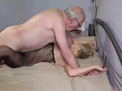 Gratis joven vagina viejo pene porno