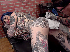 Amber Luke gets a asshole tattoo and a good pounding