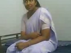 Amateur Indian MILF Gives Awesome Blowjob