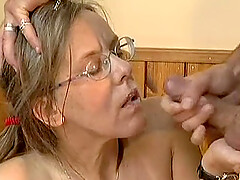 Ugly mature in glasses fuck in ass