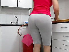 Big booty Arab Milf in the kitchen